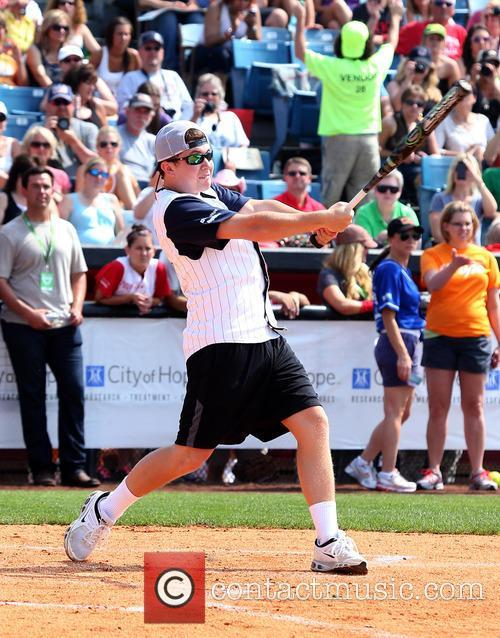 scotty mccreery 2013 city of hope softball 3710323