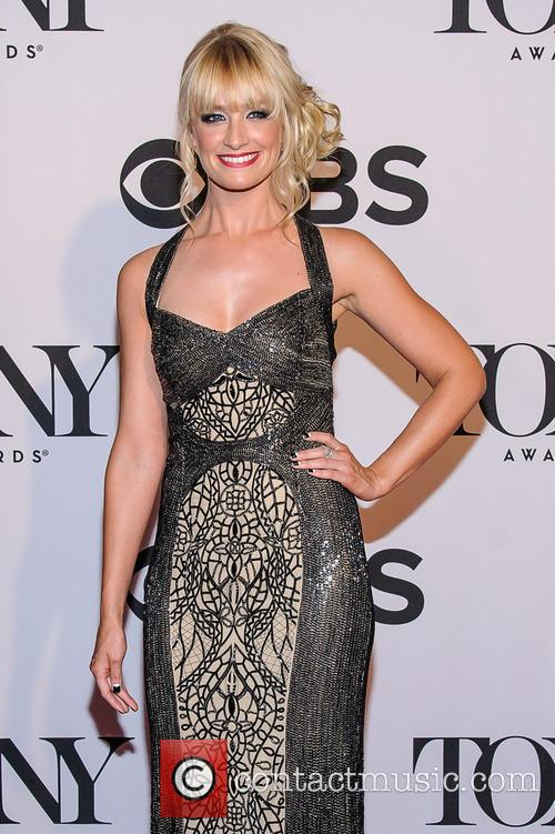 Beth Behrs 3