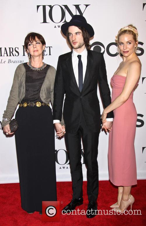 Phoebe Nicholls, Tom Sturridge and Sienna Miller 3