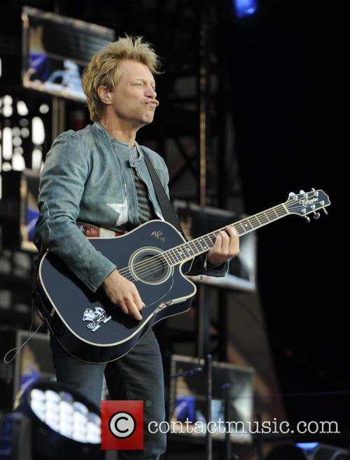 Jon Bon Jovi, Villa Park