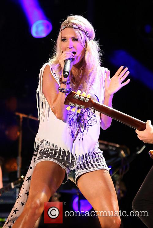 carrie underwood 2013 cma music festival at 3712355