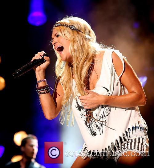 Carrie Underwood, LP Field