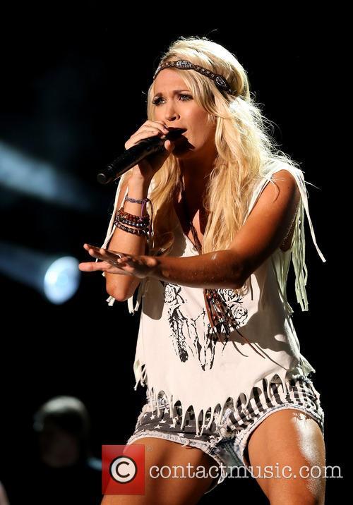 Carrie Underwood 33