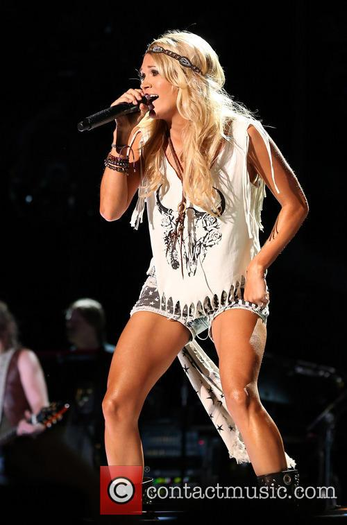 carrie underwood 2013 cma music festival at 3712378