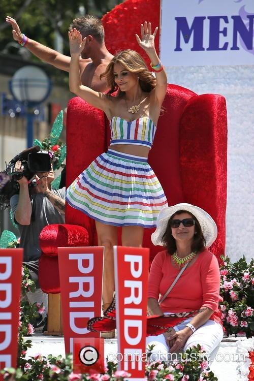 maria menounos la gay pride 3711908