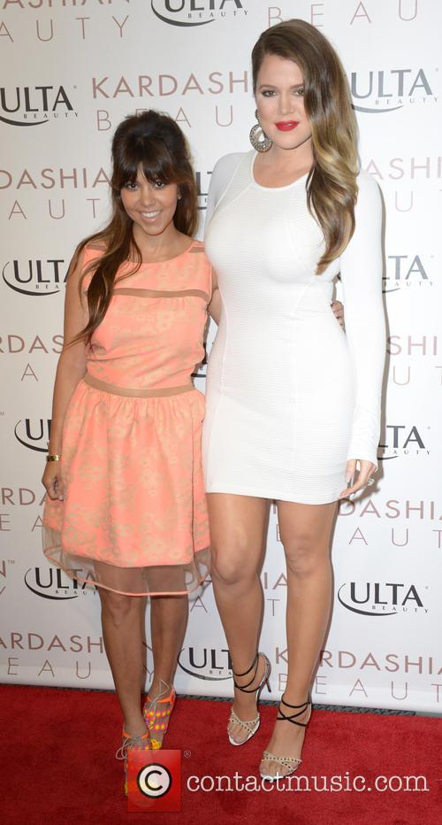 Kourtney Kardashian and Khloe Kardashian Odom 5