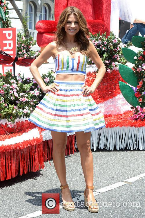 maria menounos maria menounos is grand marshall 3712480