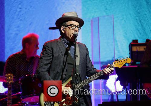 Elvis Costello 32