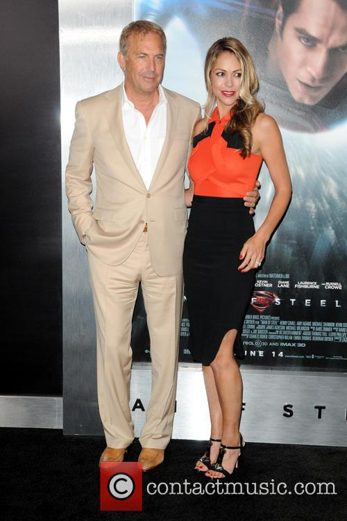 Christine Baumgartner and Kevin Costner 1