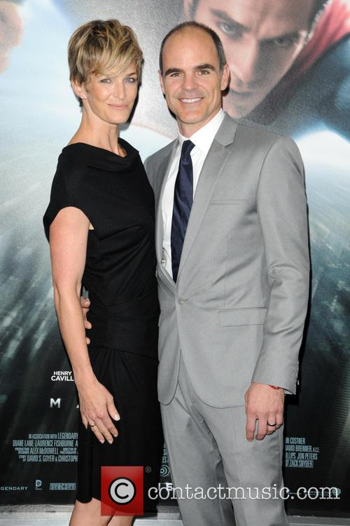Michael Kelly and Robin Wright 2