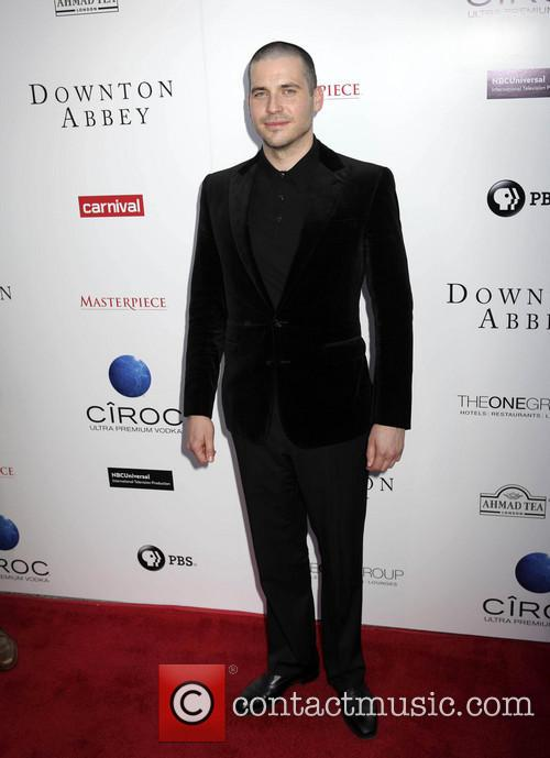 Rob James-collier 4