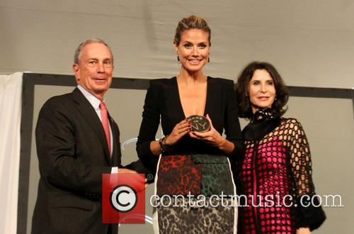 Mayor Michael Bloomberg and Heidi Klum 7