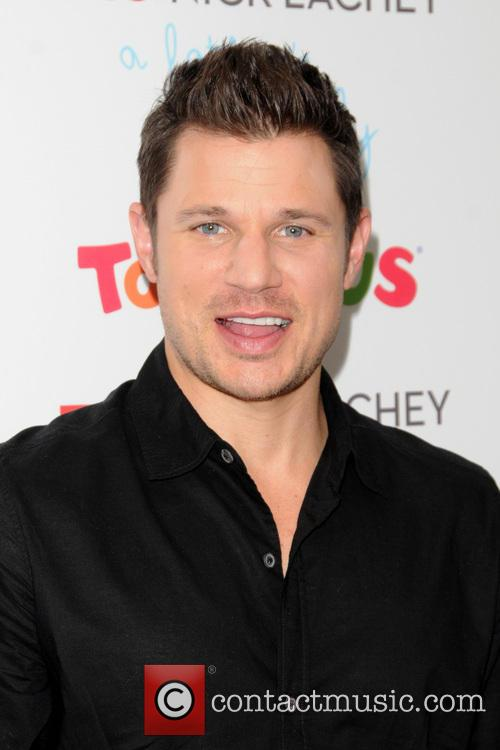 Nick Lachey meets fans at 'Toys R Us'...