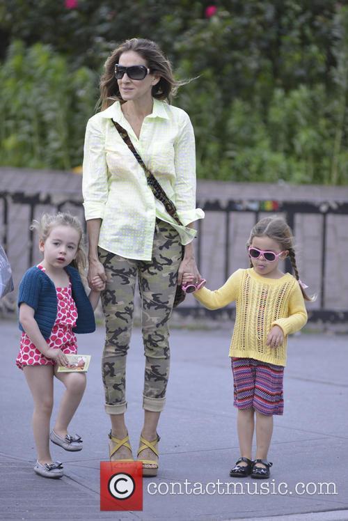 Sarah Jessica Parker, Marion Broderick and Tabitha Broderick 9