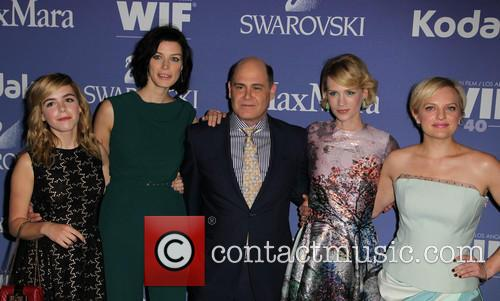 Kiernan Shipka, Jessica Paré, Matthew Weiner, January Jones and Elisabeth Moss 7