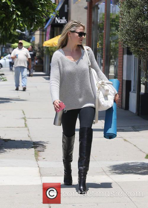 Ali Larter seen shopping before yoga