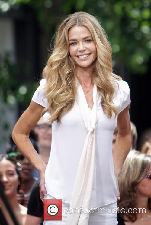 Denise Richards 6