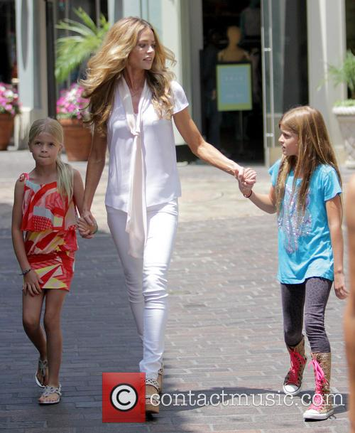 Denise Richards, Sam Sheen and Lola Rose Sheen 8