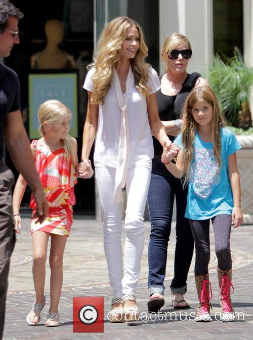 Denise Richards, Sam Sheen and Lola Rose Sheen 11