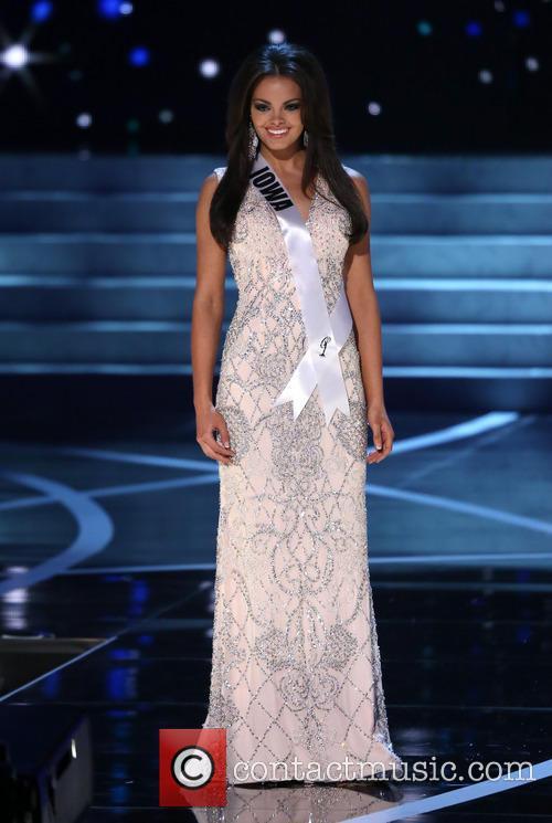 Miss Iowa and Richelle Orr 3