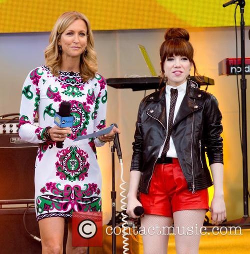 Lara Sprncer and Carly Rae Jepsen 3
