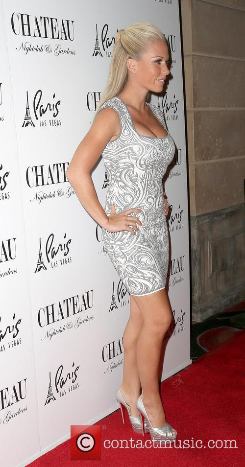 Kendra Wilkinson, Celebration, Chateau Nightclub
