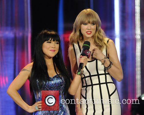 Lauren Toyota, Taylor Swift, Much Music HQ