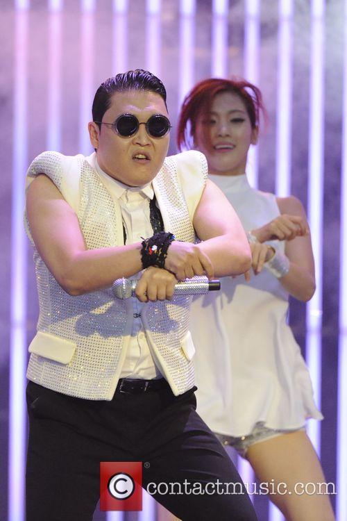 Psy, Much Music HQ