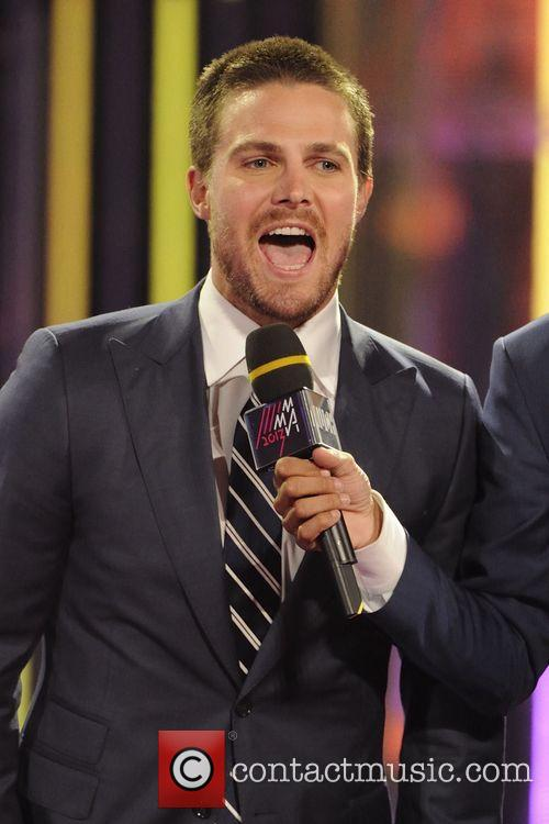 stephen amell 2013 much music video awards 3722587