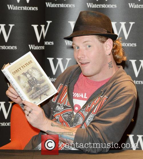Corey Taylor signs copies of his new book...