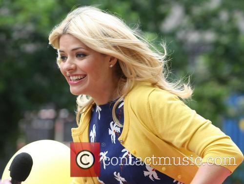 Holly Willoughby 9