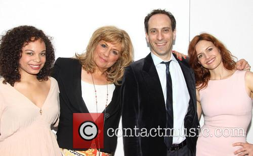 Michelle Beck, Caroline Aaron, Peter Grosz and Carla Gugino 4
