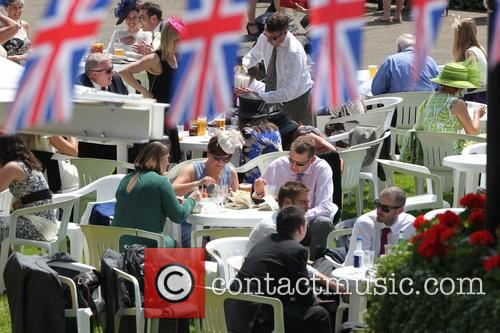 atmosphere day two of royal ascot 3725721
