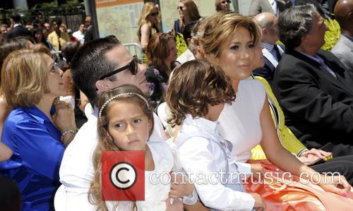 Jennifer Lopez, Casper Smart, Max and Emme Maribel 1