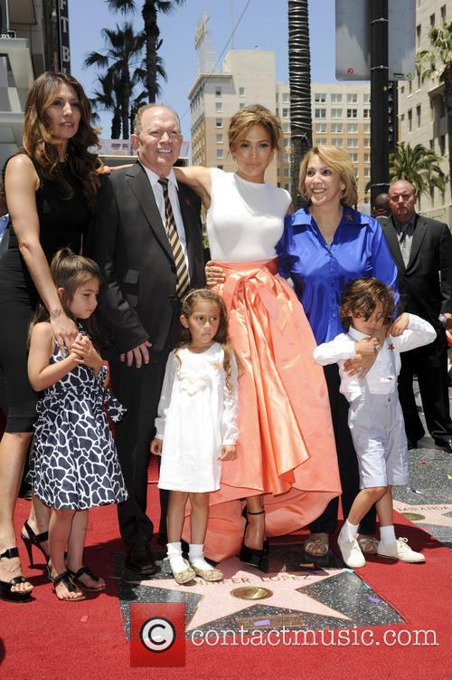 Jennifer Lopez, David Lopez, Guadalupe Lopez, Max, Emme Maribel and Lynda Lopez 2