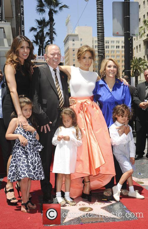 Jennifer Lopez, David Lopez, Guadalupe Lopez, Max, Emme Maribel and Lynda Lopez 4