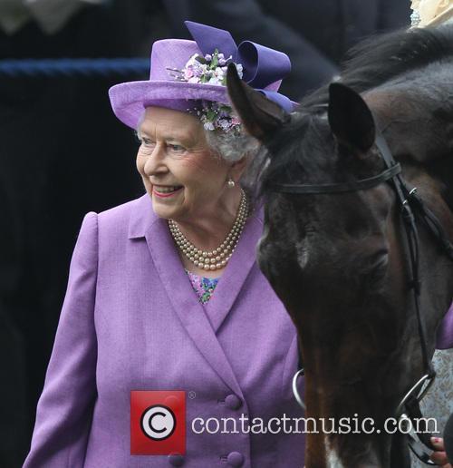 Queen Elizabeth Ii and Estimate 5