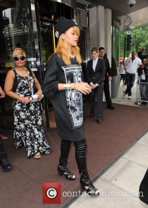 rihanna rihanna leaving her hotel 3727889