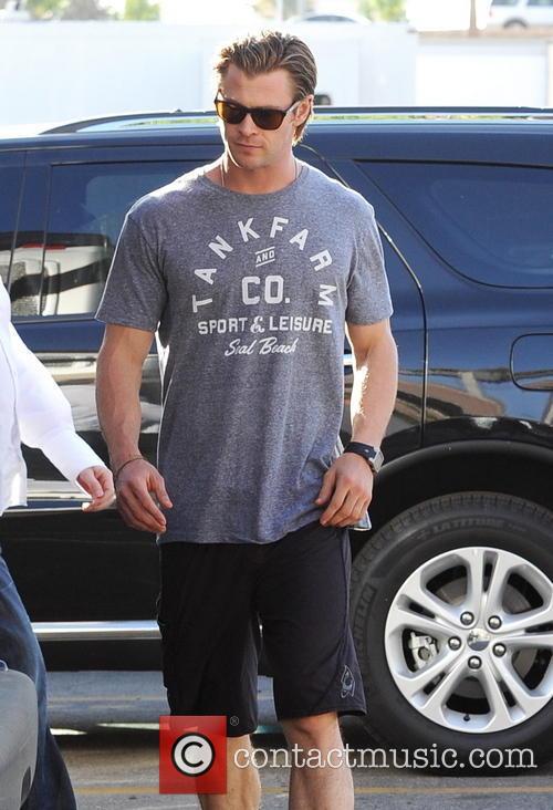Chris Hemsworth 12