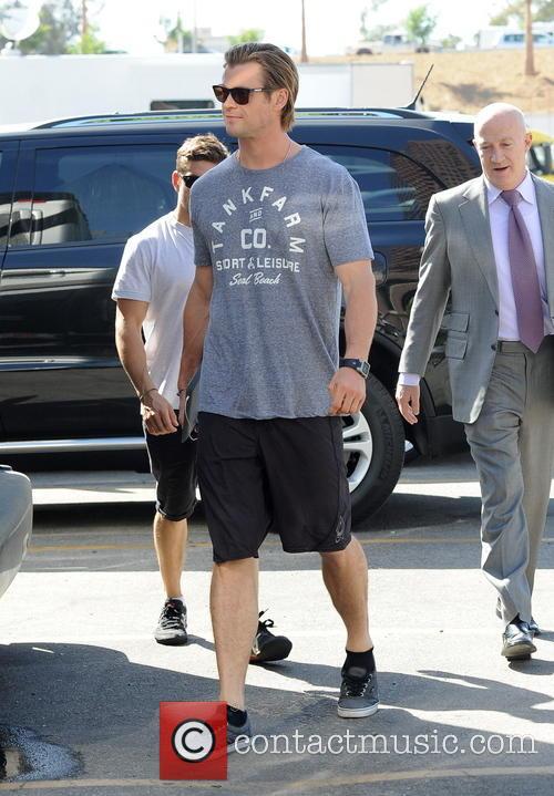Chris Hemsworth 13