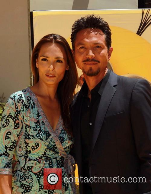 Benjamin Bratt and Talisa Soto 5