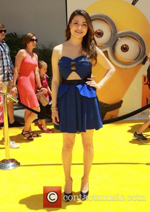 Miranda Cosgrove, Universal CityWalk, Gibson Amphitheatre