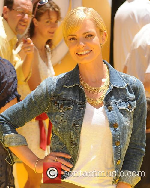 Jaime Pressly, Universal CityWalk and Gibson Amphitheatre, Gibson Amphitheatre