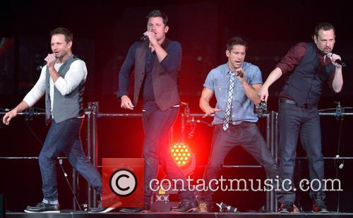 Drew Lachey, Nick Lachey, Jeff Timmons, Justin Jeffre and 98 Degrees 6