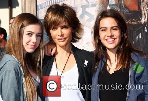 Lisa Rinna and Daughters 6