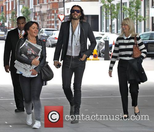russell brand russell brand arrives at the 3731304