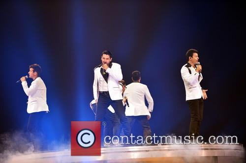 Donnie Wahlberg, Joey McIntyre, Jordan Knight, Jonathan Knight and Danny Wood 5