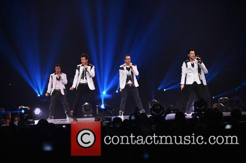 Donnie Wahlberg, Joey McIntyre, Jordan Knight, Jonathan Knight and Danny Wood 16