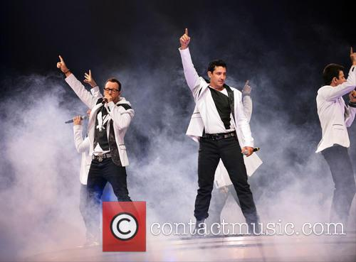 Donnie Wahlberg, Joey McIntyre, Jordan Knight, Jonathan Knight and Danny Wood 35