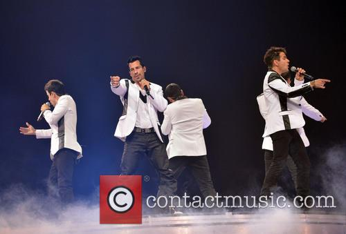 Donnie Wahlberg, Joey McIntyre, Jordan Knight, Jonathan Knight and Danny Wood 37